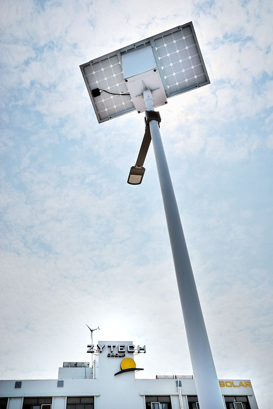 Farolas solares y logo
