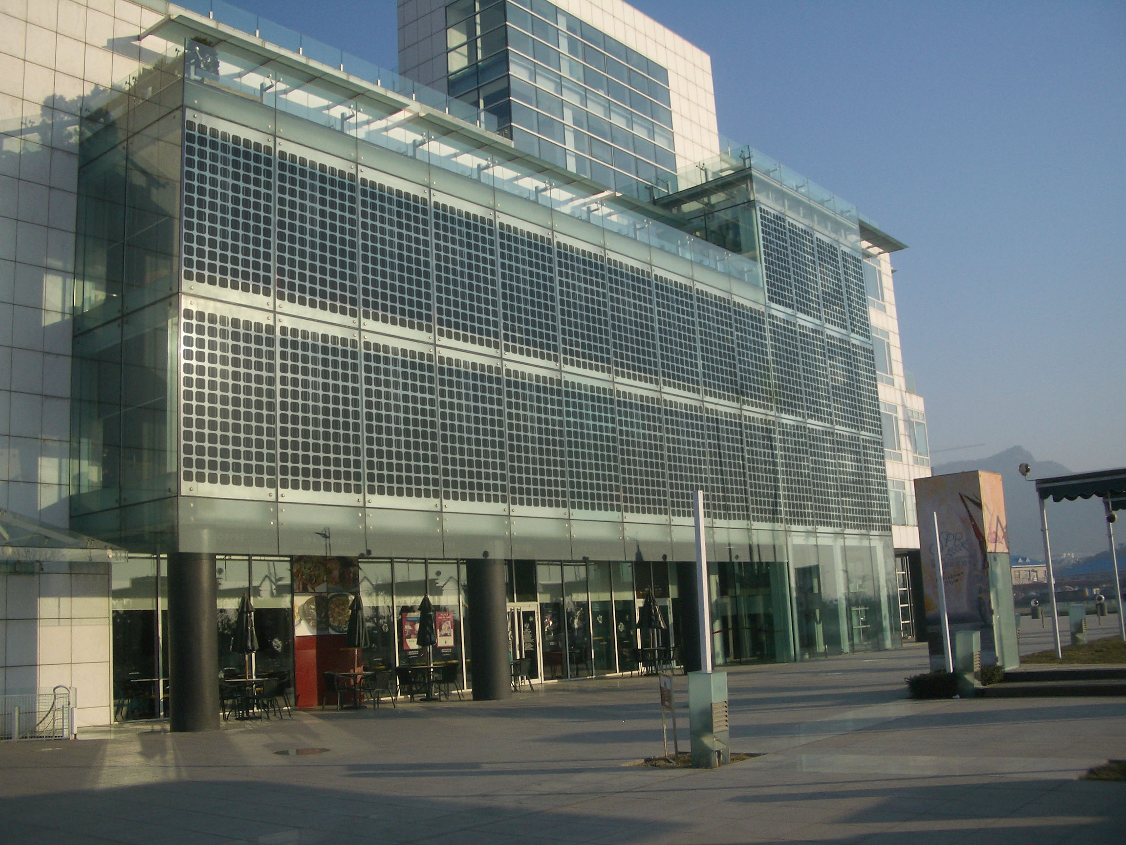 Fachada BIPV -Building Integrated Photovoltaics